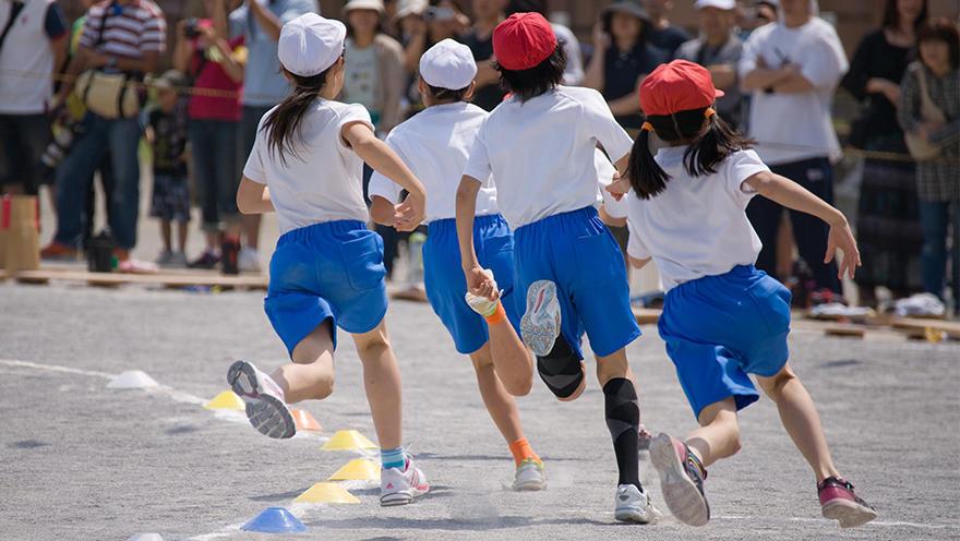 小学校のスポーツクラスと一般クラス、児童の摂食行動と体力を比較 ポーランドの研究