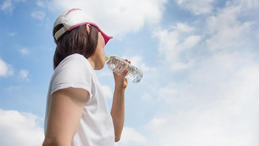 シリーズ「熱中症を防ぐ」1. 熱中症の症状と応急処置