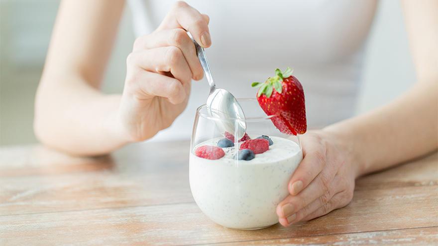 お酒好きはヨーグルトを食べない? 日本人の食習慣と遺伝子の関係が明らかに