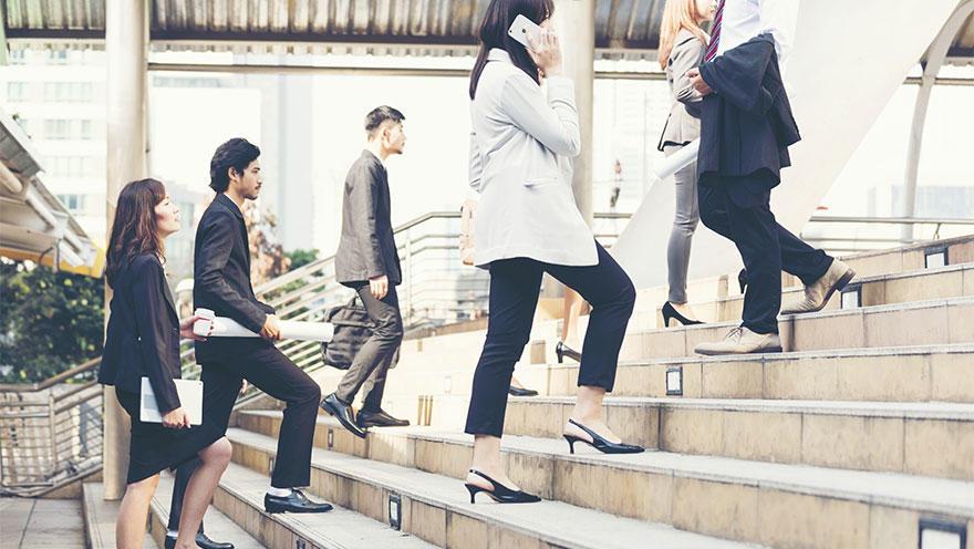 階段を上る階数と全死亡率が逆相関 ウォーキング歩数などで補正しても有意差