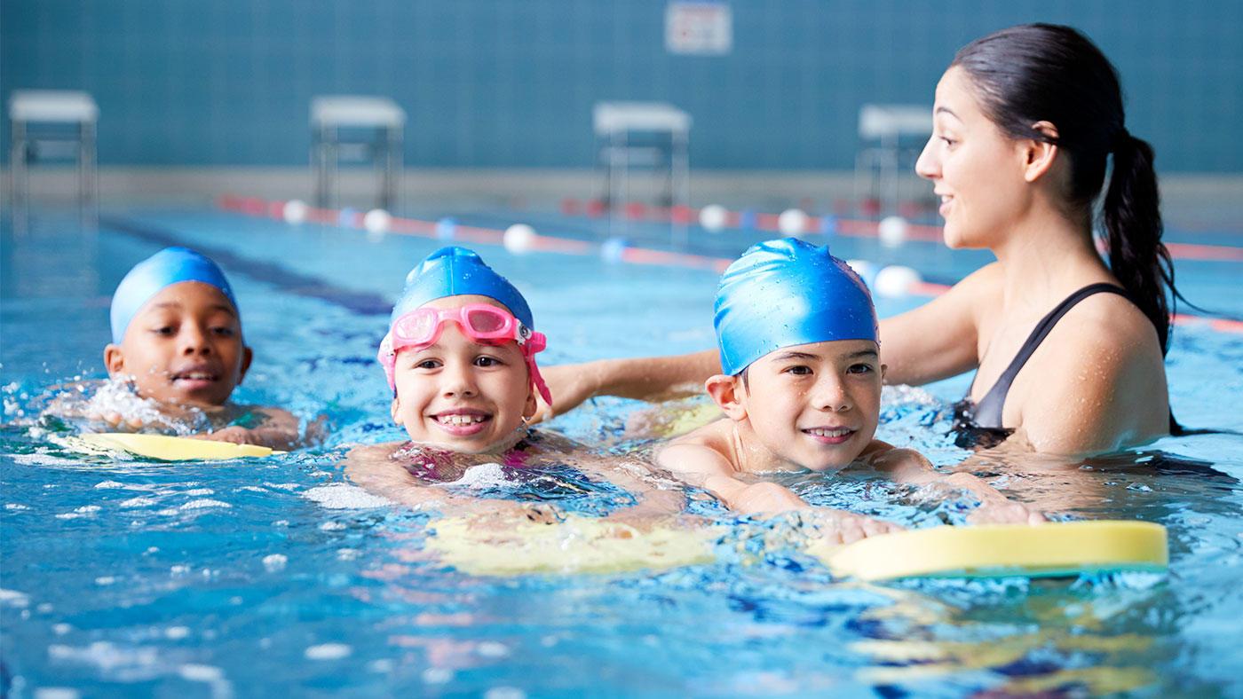 欧州25カ国15万人の子どもたちのスポーツ参加、睡眠時間、スクリーンタイムの比較