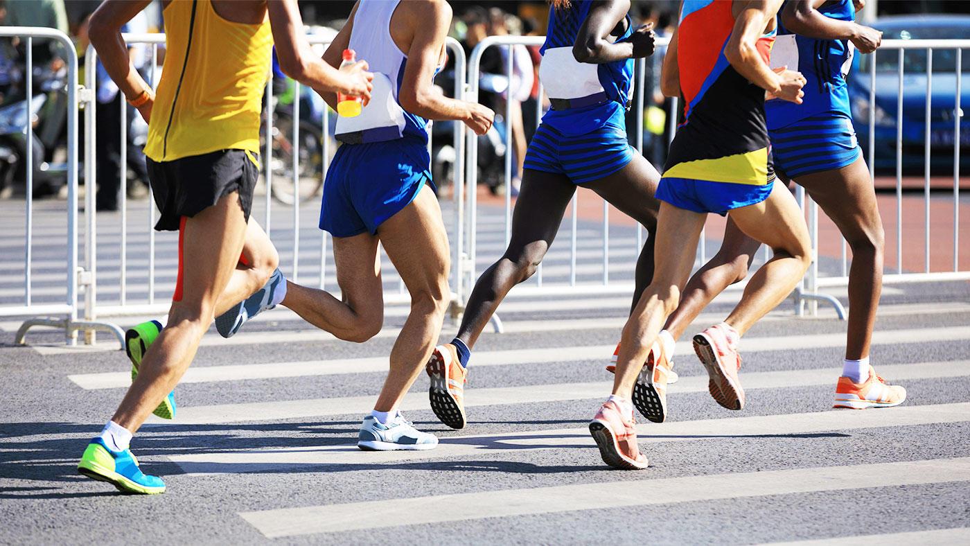 競技人口が拡大する持久力スポーツにおける栄養関連の有害事象 文献レビューの結果