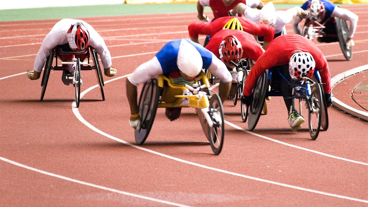 車椅子マラソンランナーの高地トレーニングにおける栄養戦略ケーススタディー