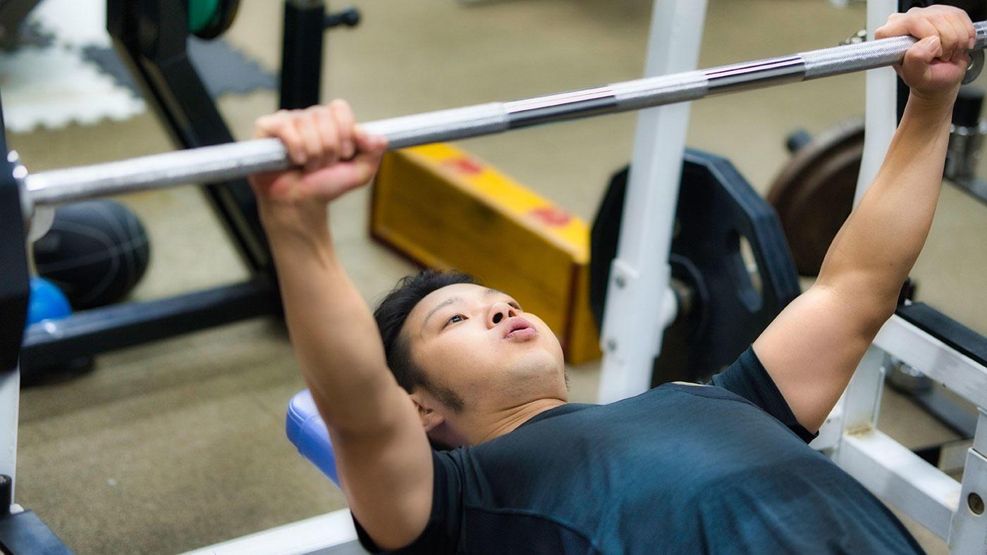クレアチンを筋力トレーニング中にのみ摂取した場合の影響 身体活動の多い若年者で検討