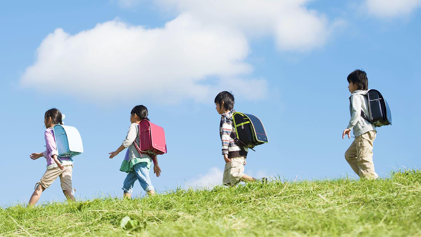 文科省・学校保健統計(1)身長―5歳から17歳の平均身長、親世代との比較