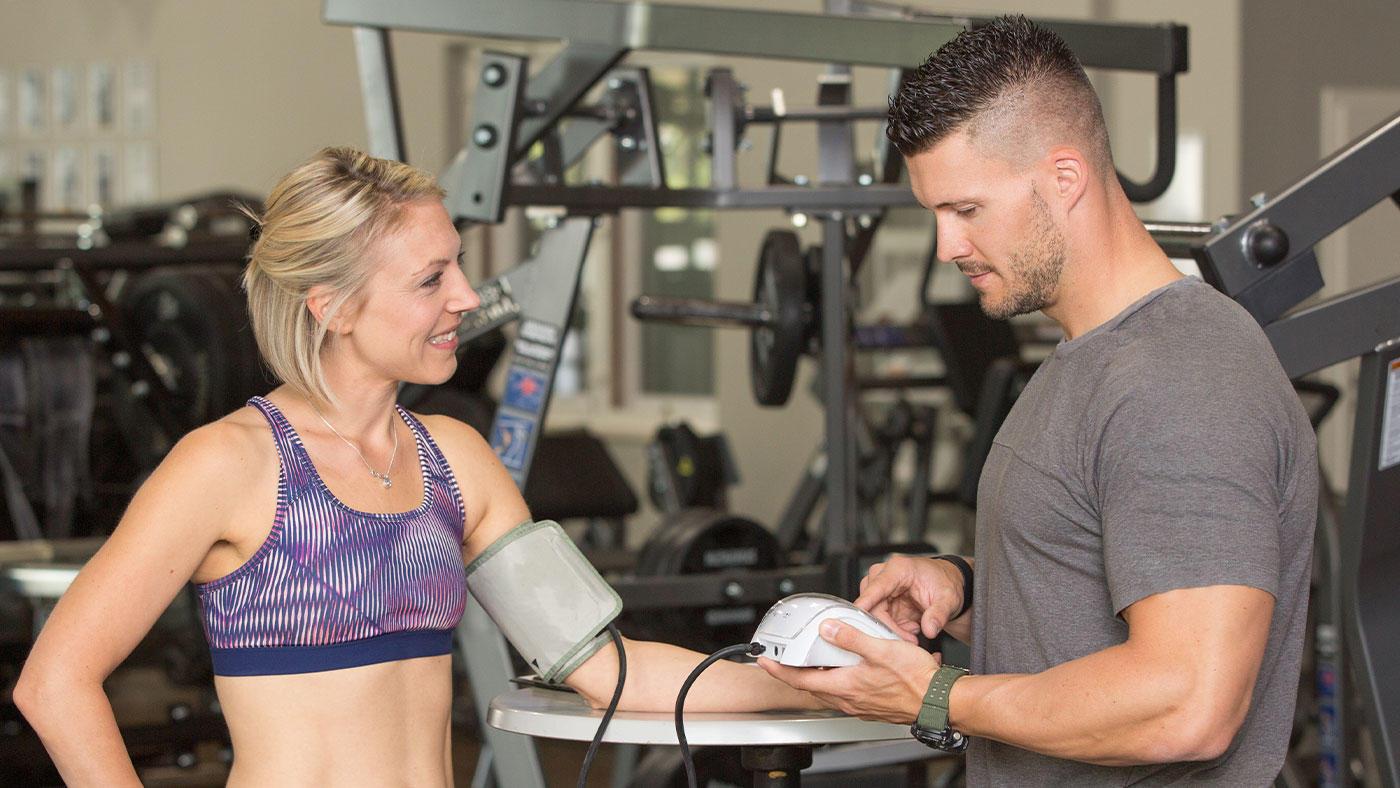 アスリートや健常者の運動負荷時の血圧上昇(運動誘発性高血圧;EIH)は危険な兆候?
