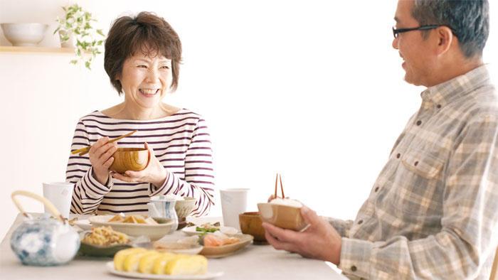 'うま味'感度が低い人は甘いもの好きの肥満が多く、摂取エネルギー量が増えやすい
