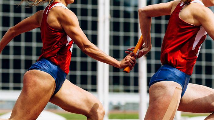 女性トップアスリートの健康やパフォーマンスを規定する因子は何か?