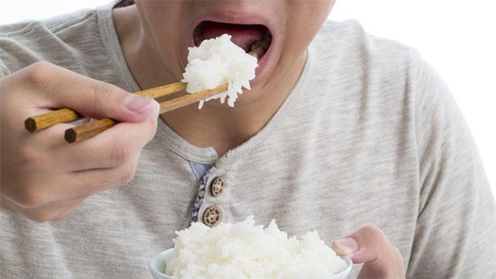 肥満や糖尿病の人は食べ物をうまく噛めていない、オーラルフレイルの高リスク状態