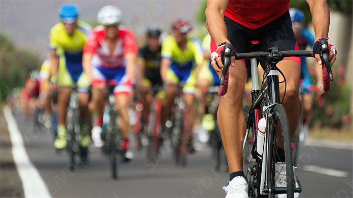軽量化 vs. 重量化、男性サイクリストに有利なのはどっち?半年間の無作為化試験の結果