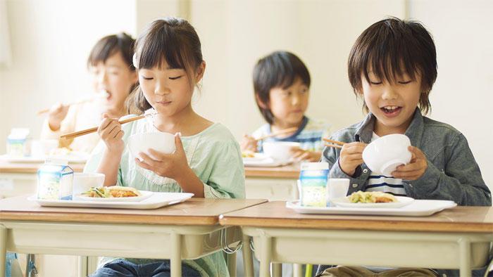 子どもと保護者への健康教育の効果がどのくらい持続するのか ~スナック摂取量を減らす講義で検証