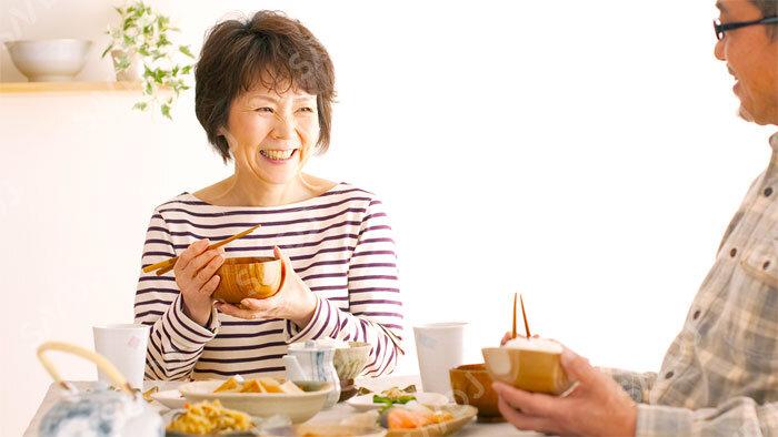タンパク源の選び方が女性の全死亡、心血管死、認知症関連死のリスクに違いにつながる
