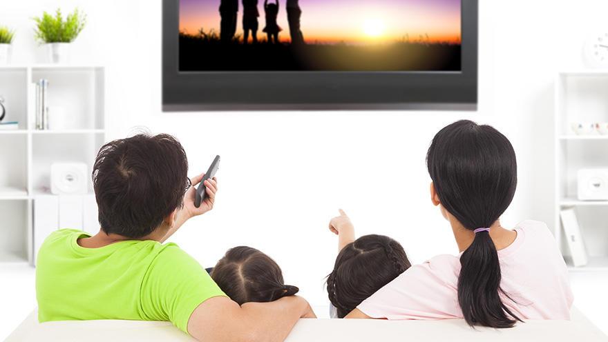テレビ視聴時間が1時間増えるごとに体脂肪が1.03%増加、女性は特に注意